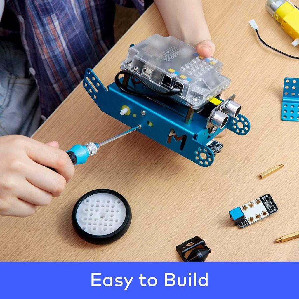 Kid building robot